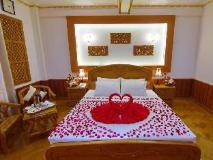 Hotel Mandalay: