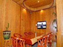 Lucky Hotel: business center