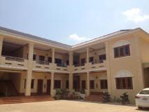 Thipphonexay Hotel: exterior