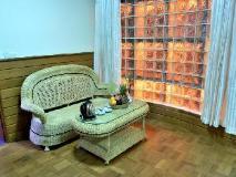 Hotel Queen: interior