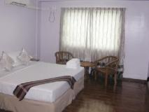 Great Glory Hotel: guest room