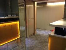 I-Hotel: reception