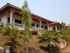 Leo Khampaseut Resort | Laos Budget Hotels