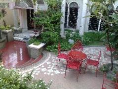 Hotel in Philippines Cebu | La Residencia Luzviminda Pensionne