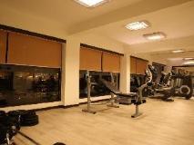 Deltin Suites: fitness room