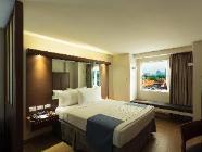 Suite 1 Queensize bed