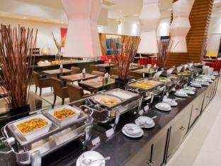 Grand President Hotel Bangkok Bangkok - Buffet line