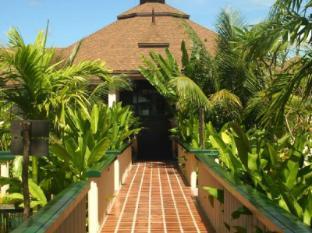 Mangosteen Resort & Ayurveda Spa Phuket - Surroundings