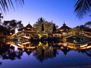 Mangosteen Resort & Ayurveda Spa Phuket - Romantic Evenings