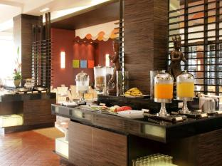 All Seasons Naiharn Phuket Hotel Phuket - Buffet