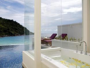 The Racha Phuket Resort Phuket - Piscina de hidromasaje