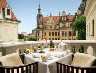 Hotel Taschenbergpalais Kempinski Дрезден - Балкон