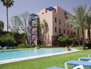 /fi-fi/ibis-marrakech-centre-gare-hotel/hotel/marrakech-ma.html?asq=m%2fbyhfkMbKpCH%2fFCE136qfjzFjfjP8D%2fv8TaI5Jh27z91%2bE6b0W9fvVYUu%2bo0%2fxf