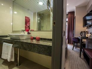 Leonardo Hotel Barcelona Las Ramblas Barcelona - Bathroom