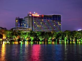 /lijiang-waterfall-hotel/hotel/guilin-cn.html?asq=jGXBHFvRg5Z51Emf%2fbXG4w%3d%3d