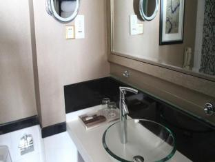 Royal Suites and Towers Hotel Shenzhen - Bathroom