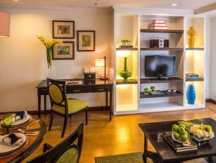 Discovery Suites Hotel Manila - Serendipity One Bedroom Suite - Living Room