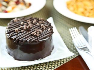 Richmonde Hotel Ortigas Manila - Richmonde Chocolate Cake