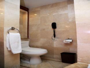 Richmonde Hotel Ortigas Manila - Bathroom
