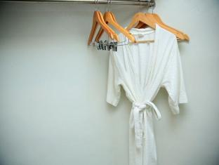 Richmonde Hotel Ortigas Manila - Bathrobes in Selected Guestrooms