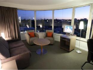 Mercure Hotel Parramatta Sydney - Suite Room Lounge Area