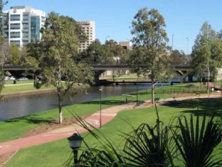 Mercure Hotel Parramatta Sydney - Parramatta River