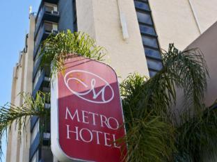 Metro Hotel Перт - Вхід