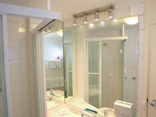 Metro Hotel Tower Mill Brisbane - Bathroom