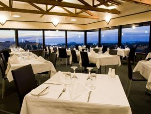 Frontier Hotel Darwin Darwin - Rooftop Restaurant with views over Mindil Beach and the Casino