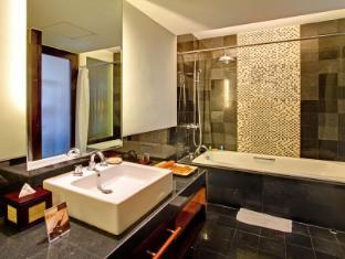 Kuta Seaview Boutique Resort & Spa Bali - Bathroom