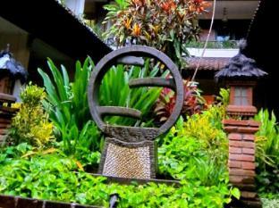 Ari Putri Hotel Bali - Exteriér hotelu