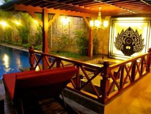 Ari Putri Hotel Bali - Pool side Bar