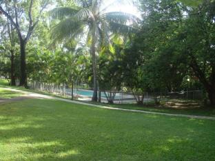 Base Airlie Beach Resort Kepulauan Whitsunday - Sekeliling