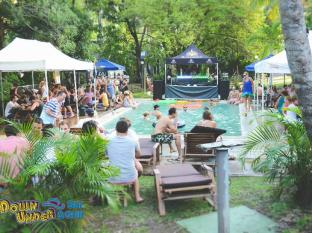 Base Airlie Beach Resort Kepulauan Whitsunday - Kolam renang