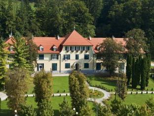 /apartments-villa-golf-flucher-turizem/hotel/rogaska-slatina-si.html?asq=5VS4rPxIcpCoBEKGzfKvtBRhyPmehrph%2bgkt1T159fjNrXDlbKdjXCz25qsfVmYT