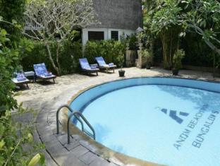 Anom Beach Hotel Candidasa Bali - Zwembad