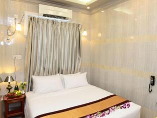 Hotel Grand United Chinatown Yangon - Penthouse Suite (Queen or King Bed)