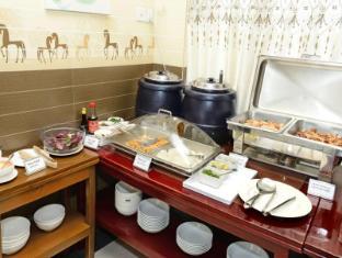 Hotel Grand United Chinatown Yangon - International Buffet Breakfast (Burmese Cuisine)