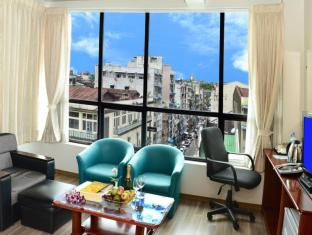 Hotel Grand United Chinatown Yangon - Deluxe Double or Twin with City/Street View