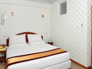 Hotel Grand United Chinatown Yangon - Superior with Queen Bed