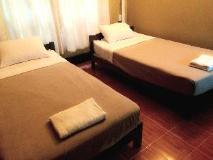 Khamvandy Guesthouse: guest room
