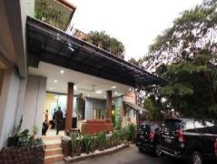 Maven Buncit Hotel | Indonesia Budget Hotels