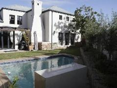 Cheap Hotels in Cape Town South Africa | Atlantic Ocean Guest House