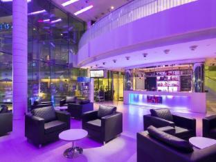 ONE15 Marina Club Singapore - Bar Nebula