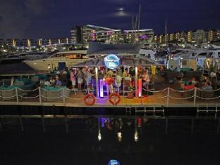 ONE15 Marina Club Singapore - Boaters' Bar