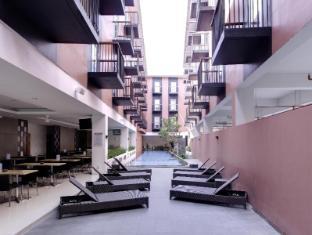 巴拿阿玛丽丝酒店 巴厘岛 - 游泳池