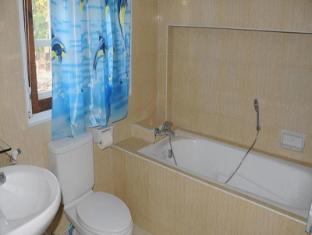 Honeymoon Villa Resort Kalaw - Bathroom
