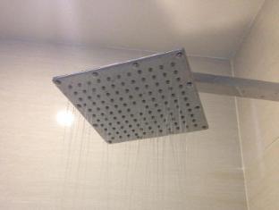 The Ttanz Hotel of Kuala Lumpur Kuala Lumpur -  Rain shower