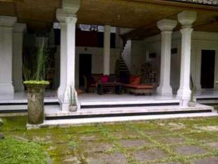 Puri Sari Cottage