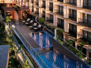 Park Regis Kuta Hotel Bali - Swimming Pool